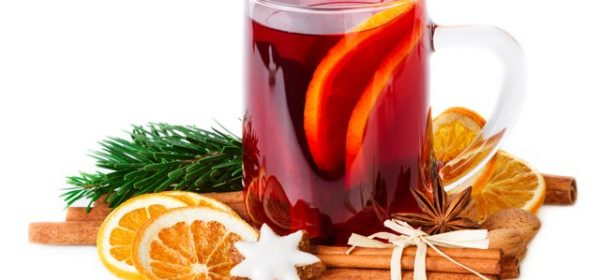 4 Christmas Party Drinks to Make Your Party Standout
